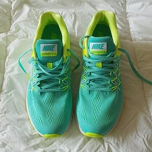 Nike Running Shoes - Zoom Winflo 3